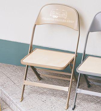 <CLARIN> WOOD SEAT CHAIR / TRAILER LOGO SNOOPY